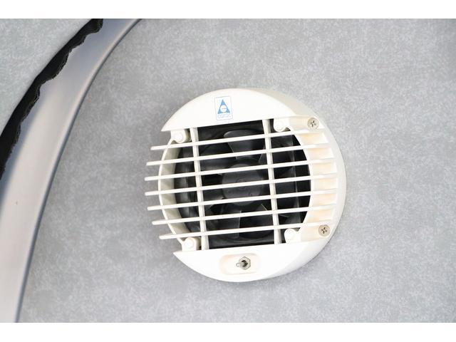 ビークル製ブロス ナビ Bカメラ ETC キーレス サブバッテリー 走行充電 外部電源・充電 シンク 冷蔵庫 FFヒーター 後席モニター サイドオーニング 1オーナー(80枚目)