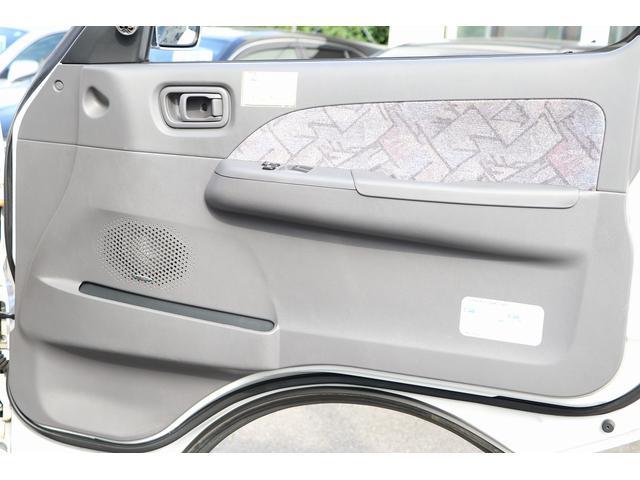4WD ファーストカスタム製ブランエクスプレス ETC キーレス サブバッテリー 走行充電 外部電源・充電 シンク 冷蔵庫 FFヒーター ベンチレーター サイドオーニング 1オーナー(41枚目)