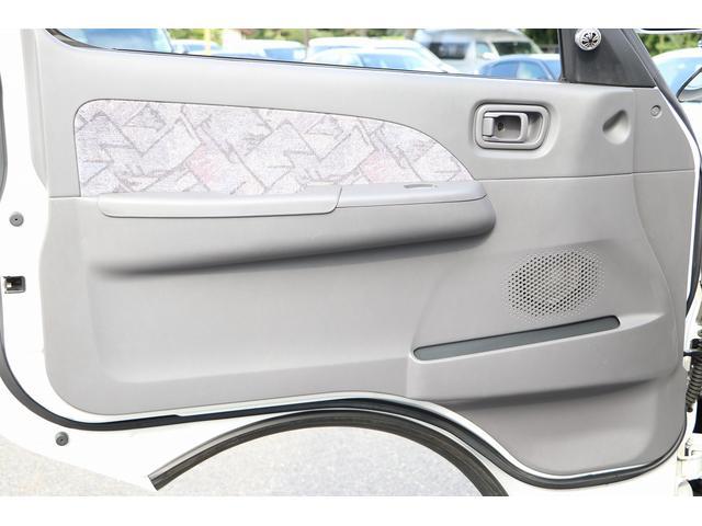 4WD ファーストカスタム製ブランエクスプレス ETC キーレス サブバッテリー 走行充電 外部電源・充電 シンク 冷蔵庫 FFヒーター ベンチレーター サイドオーニング 1オーナー(45枚目)