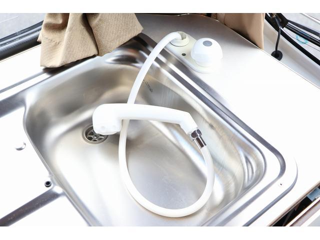 4WD ファーストカスタム製ブランエクスプレス ETC キーレス サブバッテリー 走行充電 外部電源・充電 シンク 冷蔵庫 FFヒーター ベンチレーター サイドオーニング 1オーナー(73枚目)