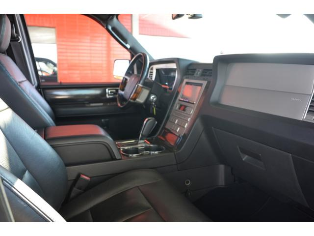 「リンカーン」「リンカーンナビゲーター」「SUV・クロカン」「茨城県」の中古車19