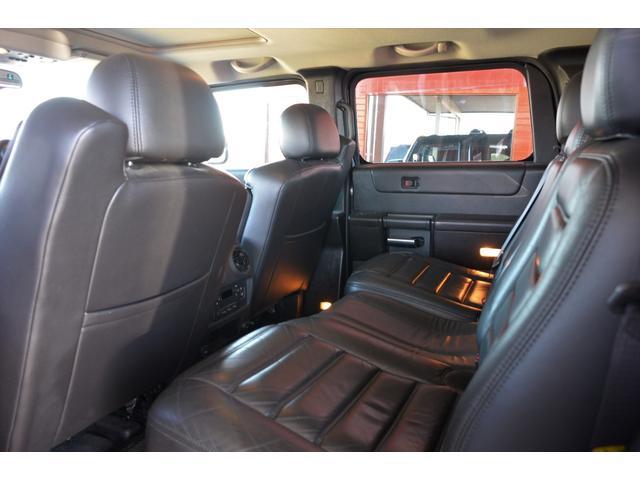 ラグジュアリーパッケージ 新車並行車 4WD サンルーフ 黒革シート HDDナビ 全席シートヒーター BOSEサウンド ETC バックカメラ(13枚目)