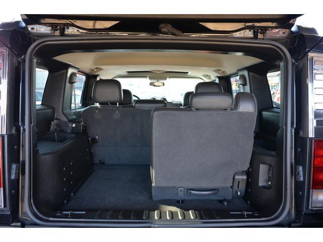 ラグジュアリーパッケージ 新車並行車 4WD サンルーフ 黒革シート HDDナビ 全席シートヒーター BOSEサウンド ETC バックカメラ(16枚目)