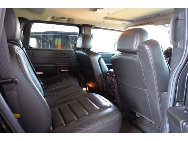 ラグジュアリーパッケージ 新車並行車 4WD サンルーフ 黒革シート HDDナビ 全席シートヒーター BOSEサウンド ETC バックカメラ(17枚目)
