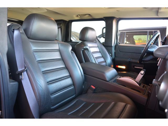 ラグジュアリーパッケージ 新車並行車 4WD サンルーフ 黒革シート HDDナビ 全席シートヒーター BOSEサウンド ETC バックカメラ(20枚目)