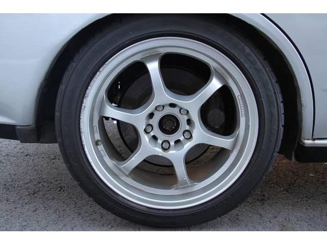 リア 17インチアルミ タイヤ 225/45R/17 タイヤの山もまだまだあります。