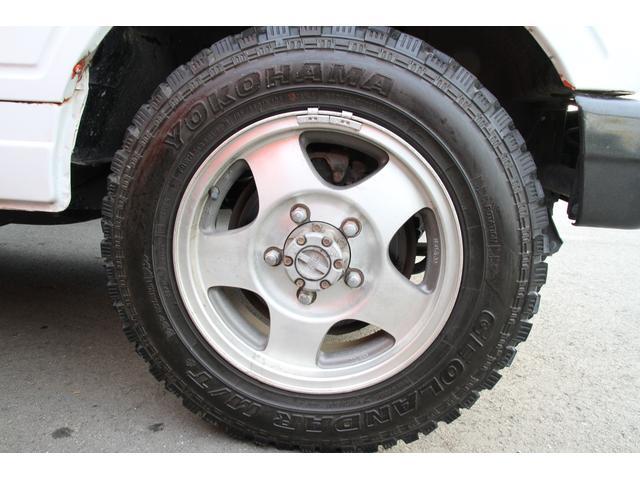 16インチ純正アルミ タイヤは、185/85R16