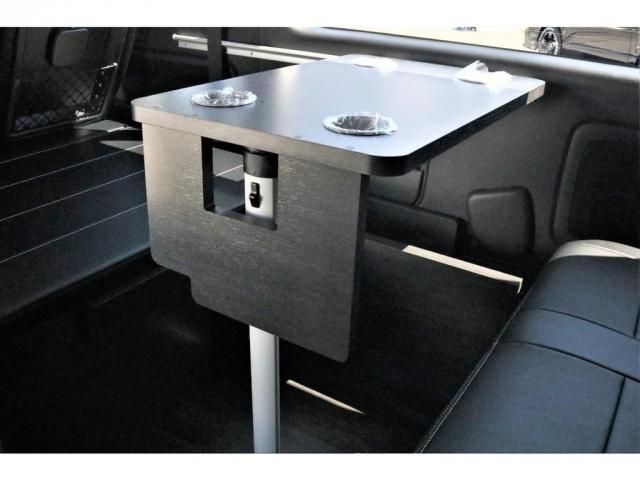 GL ハイエースワゴンGL・4WD・オリジナル内装架装Ver1・ノーマル車高・16インチアルミホイール・モンスタータイヤ・新型・6型ハイエース・ナビ・ETC・フリップダウンモニター・オリジナルシートカバー(13枚目)