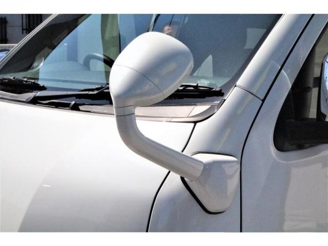 GL ハイエースワゴンGL・4WD・オリジナル内装架装Ver1・ノーマル車高・16インチアルミホイール・モンスタータイヤ・新型・6型ハイエース・ナビ・ETC・フリップダウンモニター・オリジナルシートカバー(18枚目)