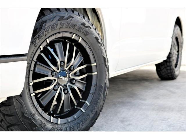 ハイエースバン・スーパーGL・ダークプライム・100V電源・TRDフロントスポイラー・FLEX16インチアルミホイール・トーヨーオープンカントリータイヤ・純正ナビ・ETC2.0・オリジナルLEDテール(18枚目)