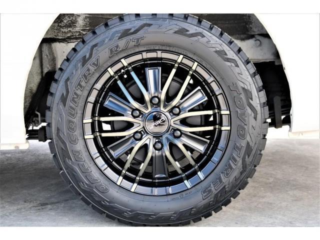 ハイエースバン・スーパーGL・ダークプライム・100V電源・TRDフロントスポイラー・FLEX16インチアルミホイール・トーヨーオープンカントリータイヤ・純正ナビ・ETC2.0・オリジナルLEDテール(19枚目)