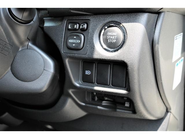 ハイエースバン・スーパーGL・ダークプライム・100V電源・TRDフロントスポイラー・FLEX16インチアルミホイール・トーヨーオープンカントリータイヤ・純正ナビ・ETC2.0・オリジナルLEDテール(48枚目)