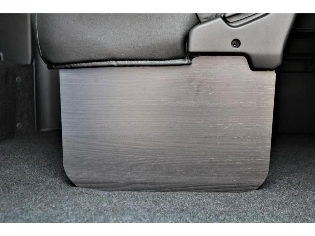 GL ロング パーキングサポート・ハイエースワゴン・パノラミックビューモニター・デジタルインナーミラー・オリジナルシートカバー・オリジナルzeroワゴンベッドキット・7インチワイドナビ・ETC・後席用モニター(13枚目)