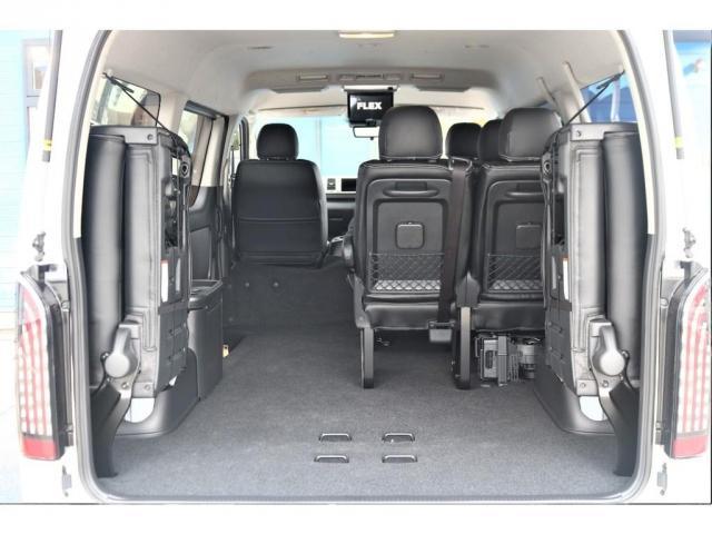 GL ロング パーキングサポート/PVM/6型・10人のり・シートカバー・フットパネル・7インチワイドナビ・後席用フリップダウンモニター・ビルトインETC・オリジナル17インチアルミホイール(14枚目)