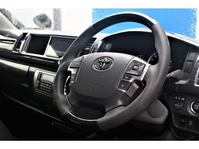 GL パーキングサポート・パノラミックビューモニター・ミドルルーフ・4WD・ベースシート・ファミリーパッケージ・ナビ・ETC・フリップダウンモニター・インテリアパネルセット・オリジナルシートカバー・(3枚目)
