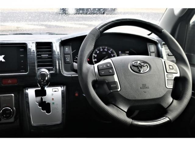 GL パーキングサポート・パノラミックビューモニター・ミドルルーフ・4WD・ベースシート・ファミリーパッケージ・ナビ・ETC・フリップダウンモニター・インテリアパネルセット・オリジナルシートカバー・(4枚目)