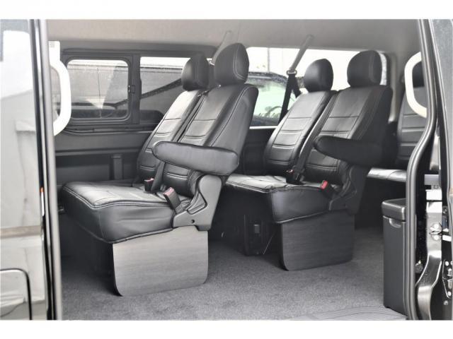 GL パーキングサポート・パノラミックビューモニター・ミドルルーフ・4WD・ベースシート・ファミリーパッケージ・ナビ・ETC・フリップダウンモニター・インテリアパネルセット・オリジナルシートカバー・(10枚目)