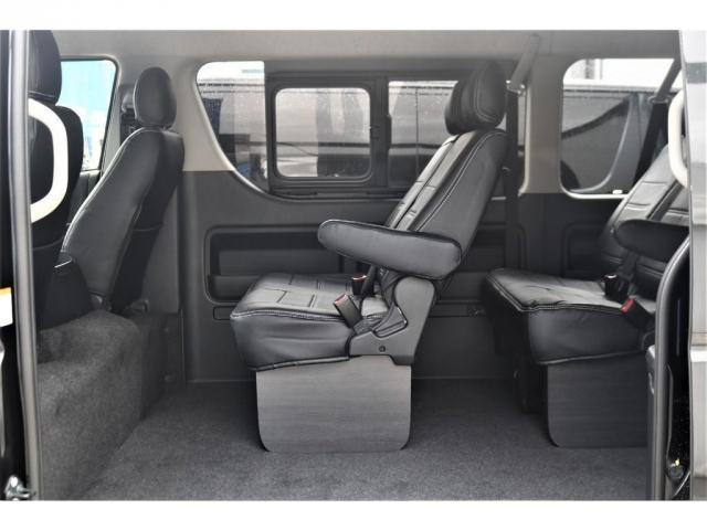 GL パーキングサポート・パノラミックビューモニター・ミドルルーフ・4WD・ベースシート・ファミリーパッケージ・ナビ・ETC・フリップダウンモニター・インテリアパネルセット・オリジナルシートカバー・(11枚目)