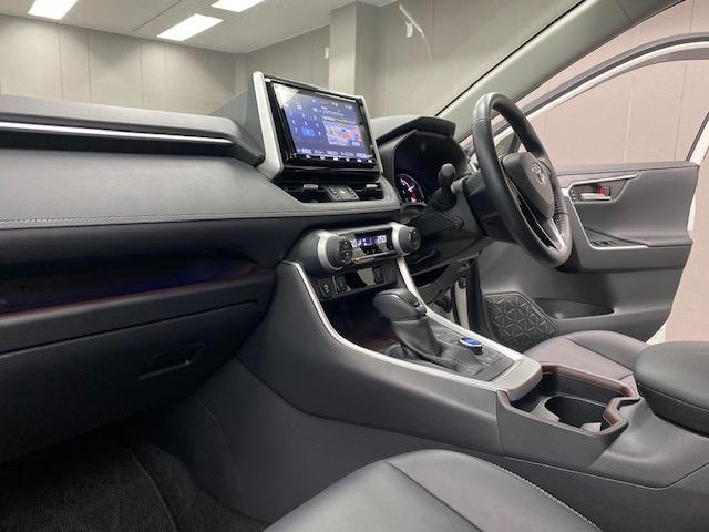 G Zパッケージ 4WD モデリスタエアロキット デジタルインナーミラー パワーバックドア レーダークルーズコントロール ブラインドスポットモニター 黒レザーシート シートヒーター 純正ドライブレコーダー(3枚目)