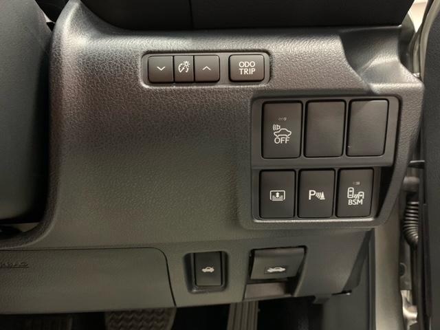 IS300h バージョンL 黒革エアシート&ヒーター ブラインドスポットモニター クルーズコントロール 18インチAW パドルシフト クリアランスソナー コーナービューカメラ 純正ナビ フルセグTV Bカメラ 禁煙車(15枚目)