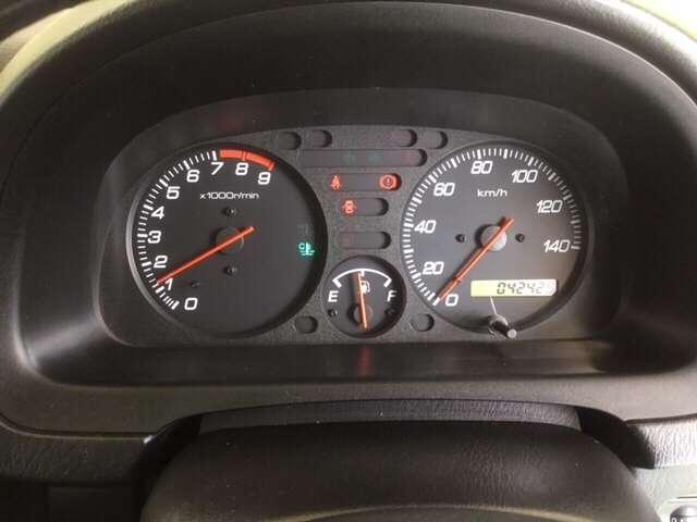 SDX 5速MT車 4WD キーレスエントリー Wエアバッグ(8枚目)