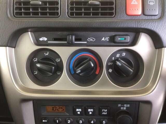 SDX 5速MT車 4WD キーレスエントリー Wエアバッグ(9枚目)