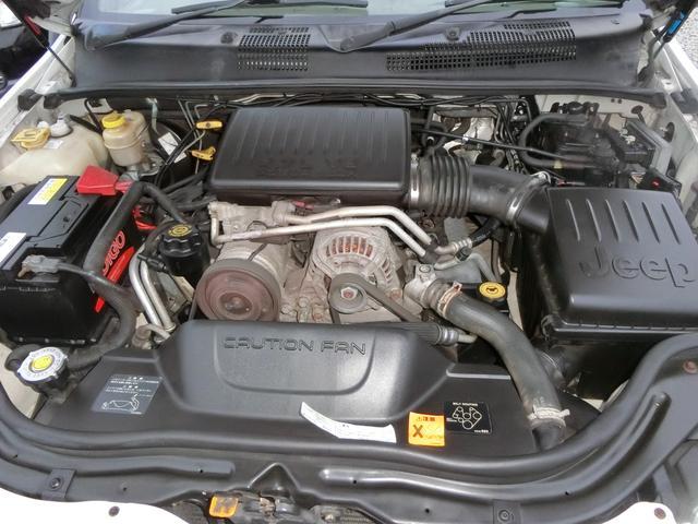 クライスラー・ジープ クライスラージープ グランドチェロキー リミテッドV8 パワーシート 外マフラー