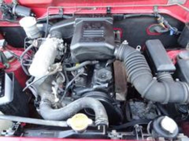 XR-II タイミングベルト交換済み パートタイム4WD 修復歴無し 背面タイヤ フロア3AT 運転席エアバック  パワーウィンドウ パワーステアリング(18枚目)