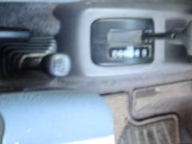 XR-II タイミングベルト交換済み パートタイム4WD 修復歴無し 背面タイヤ フロア3AT 運転席エアバック  パワーウィンドウ パワーステアリング(32枚目)
