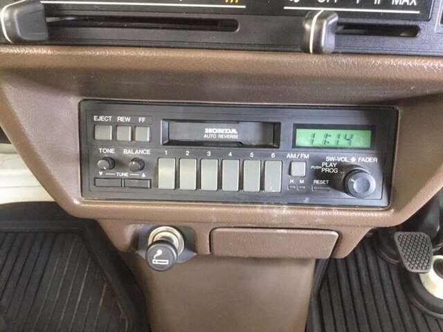 時計機能付き AMラジオ&カセット もついています。