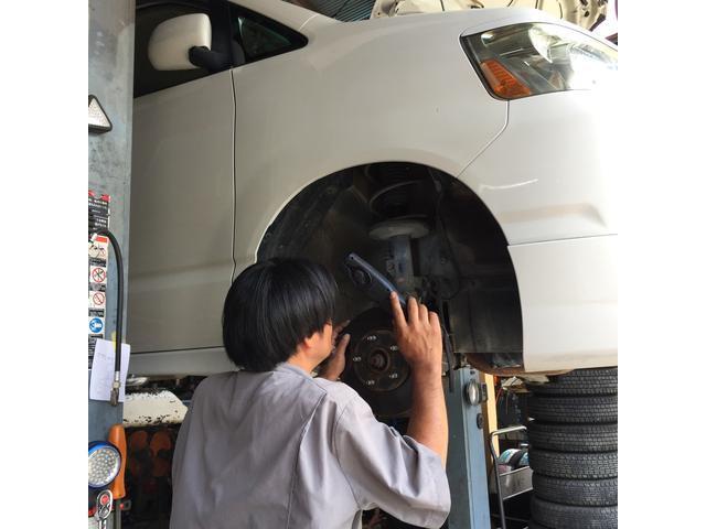 展示車両はすべて点検しています。現状販売車両も保安部品・重要機関・消耗部品を検査しております。