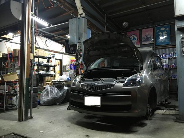 国産・輸入車を問わない磨きのプロが仕上げを担当しています。ぜひ店頭でご確認ください。