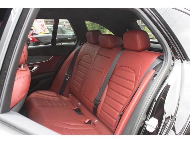 こちらのシートはキズ、シミがなく綺麗な状態です。車内のメインとなるシートが綺麗に保たれてると印象が明るくなりますよね。