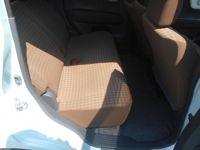 Rシート(運転席側から)