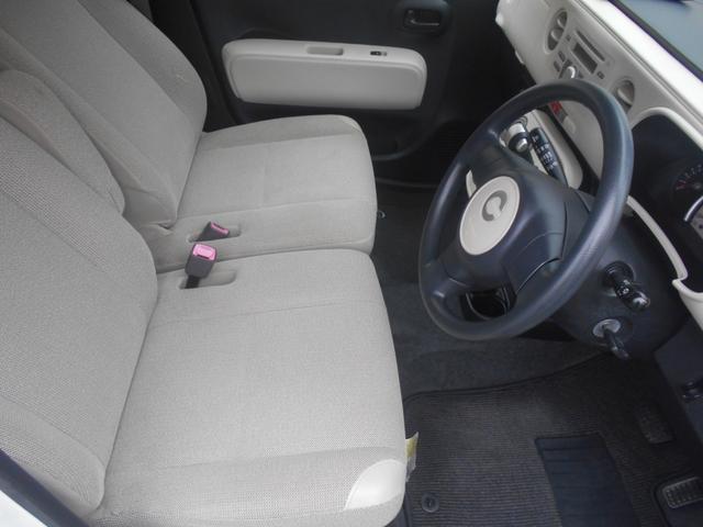 Fシート(運転席側から)