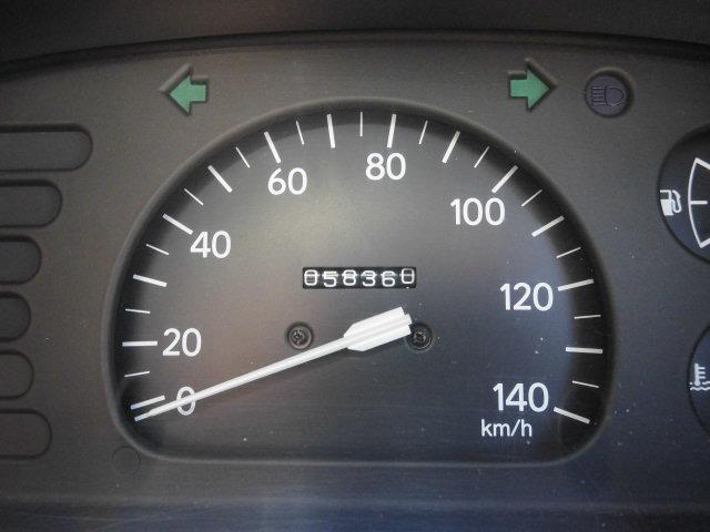 ダイハツ ハイゼットトラック 5速マニュアル エアコン付き 幌付き ハンドルカバー付き