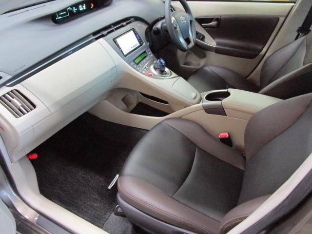 トヨタ プリウス Sマイコーデ 専用内外装