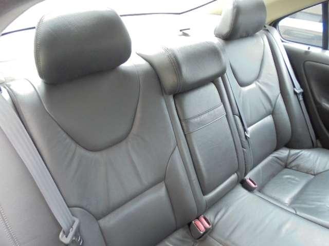 ボルボ ボルボ S60 SR 革シート ディーラー車