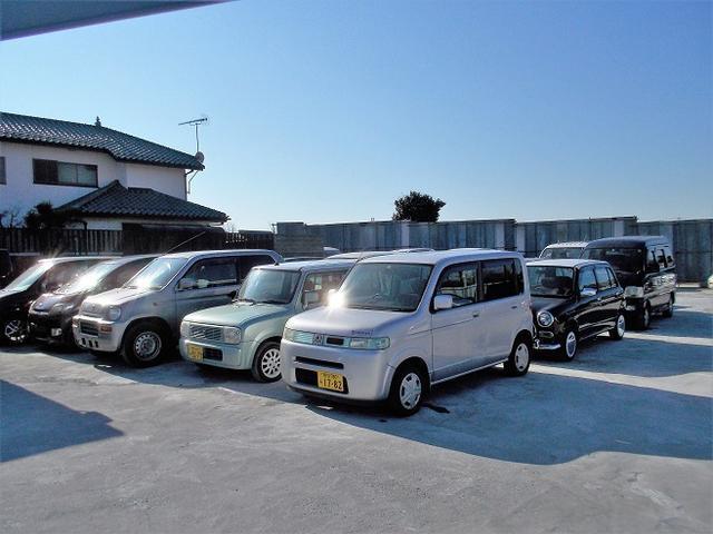 お手頃価格の中古車10万円〜20万円位の商品を多数展示しております。