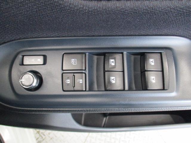 ハイブリッドX メモリーナビ バックカメラ LEDヘッドランプ 乗車定員7人(13枚目)