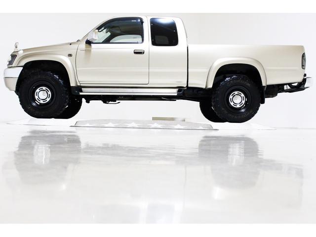 エクストラキャブ ワイド 4WD 新品タイベル交換済 5MT(8枚目)