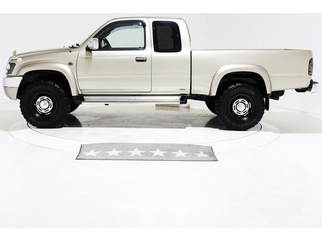 エクストラキャブ ワイド 4WD 新品タイベル交換済 5MT(9枚目)