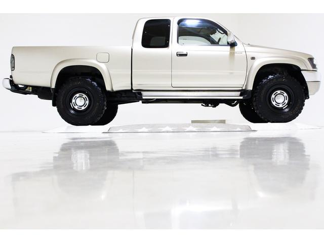 エクストラキャブ ワイド 4WD 新品タイベル交換済 5MT(16枚目)