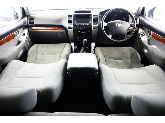 RZ 4WD リアLSD付 新品ダッシュボード交換済 ナビ(3枚目)