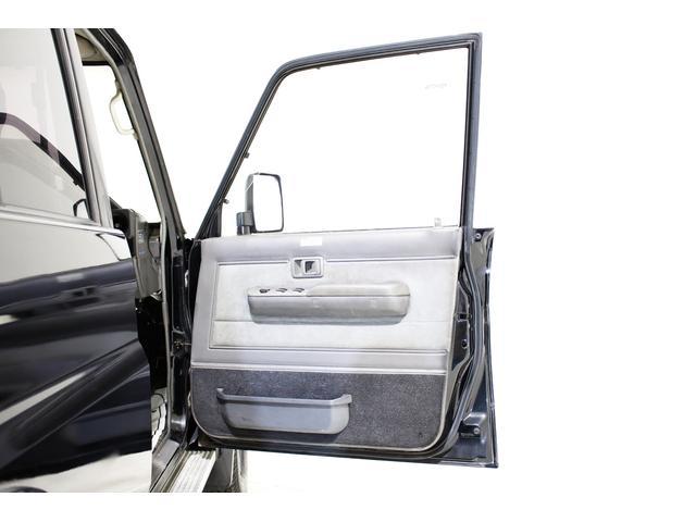 EX5 4WD 新品タイベル交換済 黒レザー調シートカバー付(30枚目)