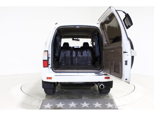 ★ラゲッジルームは広々としたスペースが確保され、プライベートでもお仕事でも◎★セカンドシート&サードシートのアレンジによって大きな荷物も積み込み出来ます★