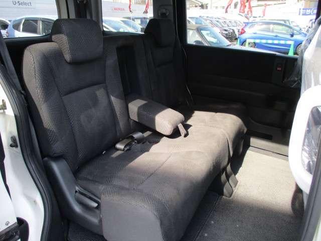 フロントガラスも大きく開放感のある運転席です!