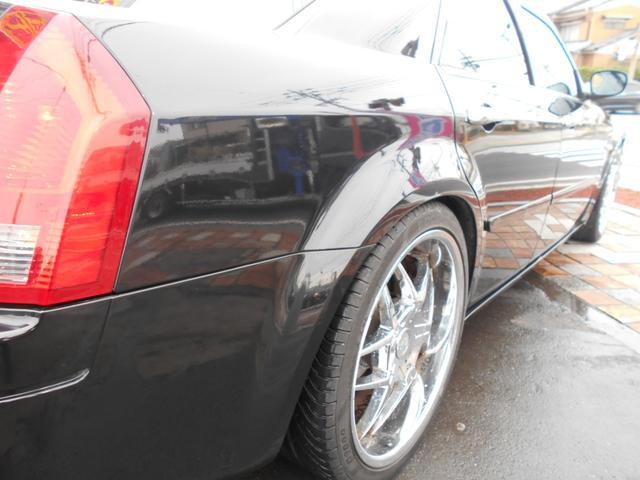 このようなカラーの車両によく見られる色アセなどはありません!ツヤもあり綺麗な状態です!