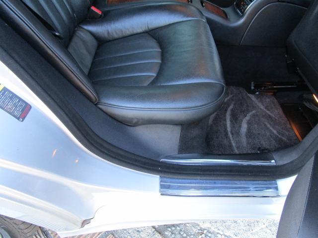 CLS500 正規ディーラー車 社外HDDナビ フルセグ バックカメラ サンルーフ 19インチアルミホイール ヒーター付き電動レザーシート ウッドコンビハンドル ETC 法人使用車 取説記録簿付(37枚目)