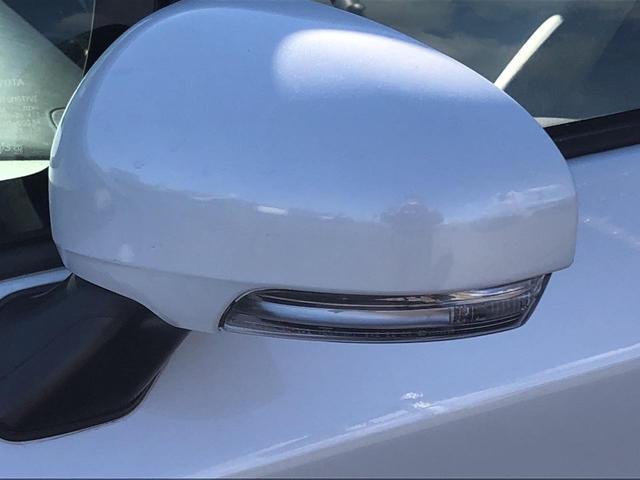 付いているだけで高級感のUPする【ウィンカー内蔵サイドミラー】♪もちろん見た目だけでなく、対向車からの視認性の向上につながります。